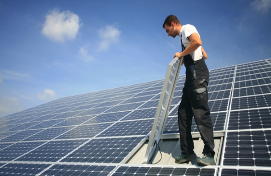 el ahorro gracias a las placas solares es una realidad